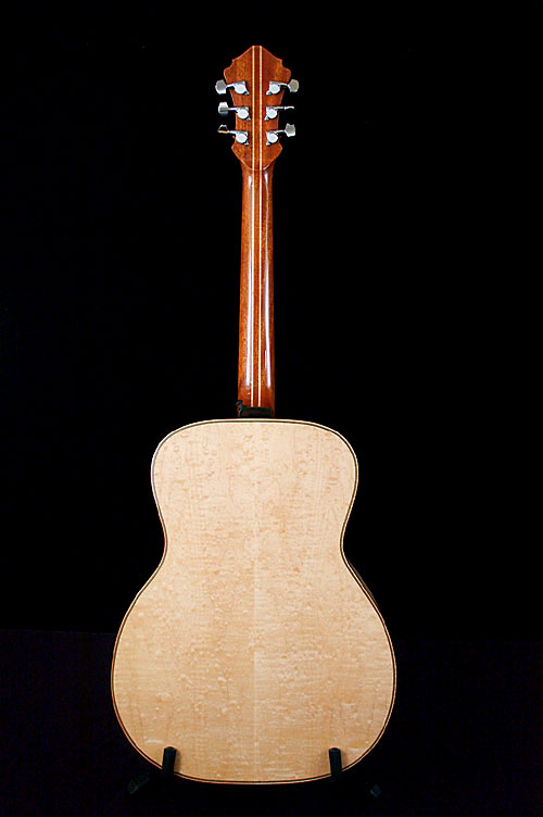 dogwoodguitars_monarch_09_stand2