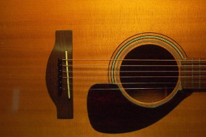 Why do old guitars sound better? - Dogwood Guitars